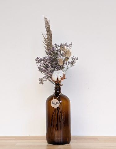 הליקה הזו מכילה פרחי לימוניום בגוונים סגולים בשילוב עם פמפס בגוון חום וכותנה