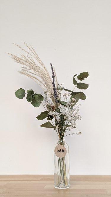 הליקה הזו מכילה פמפס בשילוב עם אקליפטוס, לבנדר ופרחים מיובשים בגוונים ניטרליים (גיבסנית ו/או לימוניום)