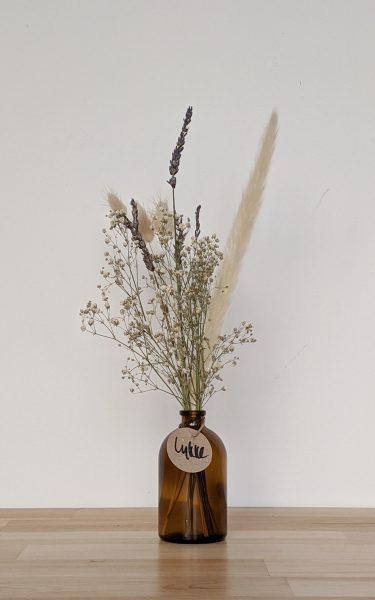 הליקה הזו מכילה פמפס בהיר, פרחים מיובשים בגוונים ניטרליים (לימוניום ו/או גיבסנית), זנבות ארנבת בגוון טבעי ולבנדר