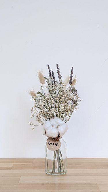 הליקה הזו מכילה פרחים מיובשים בגוונים טבעיים (גיבסנית ו/או לימוניום), זנבות ארנבת בצבע טבעי, לבנדר ופרח כותנה.